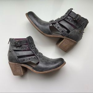 Roxy Lena Ankle Boots